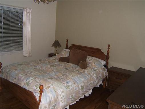 vreb-master-bedroom